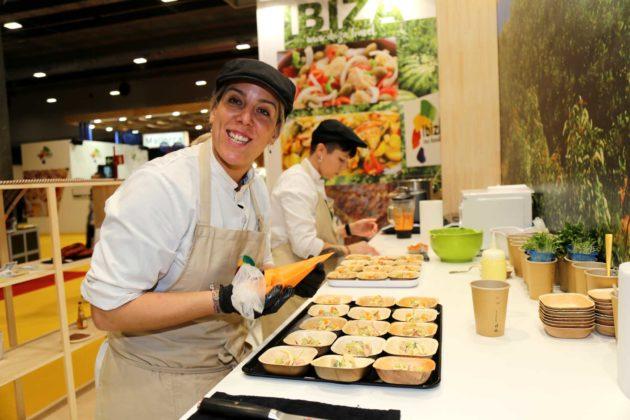 La chef Carola Bonder cerró el periplo de degustaciones de tres jornadas del estand de Eivissa en Madrid Fusión.